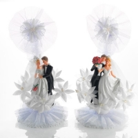 2 pcs Poly bride and groom, base with 2 babies