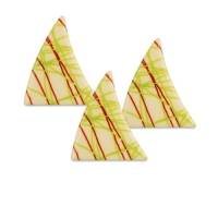 84 pcs Triangles, white chocolate, strips red-green